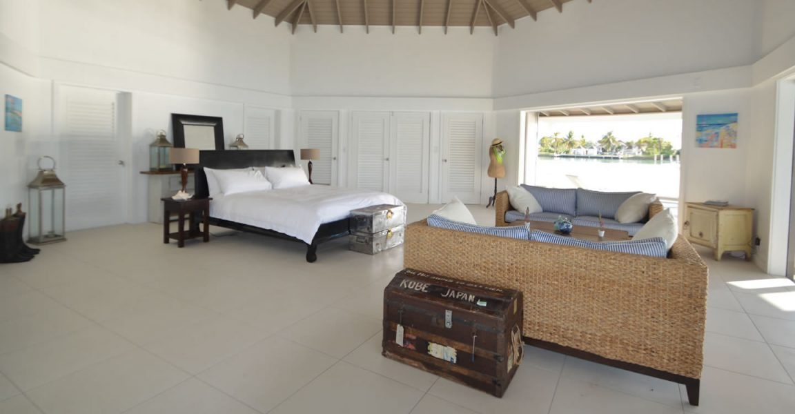 spectacular 7 bedroom luxury beachfront home for sale jolly harbour antigua 7th heaven. Black Bedroom Furniture Sets. Home Design Ideas