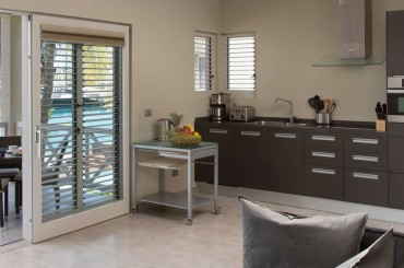 Beachfront apartments for sale, Falmouth Harbour, Antigua - kitchen