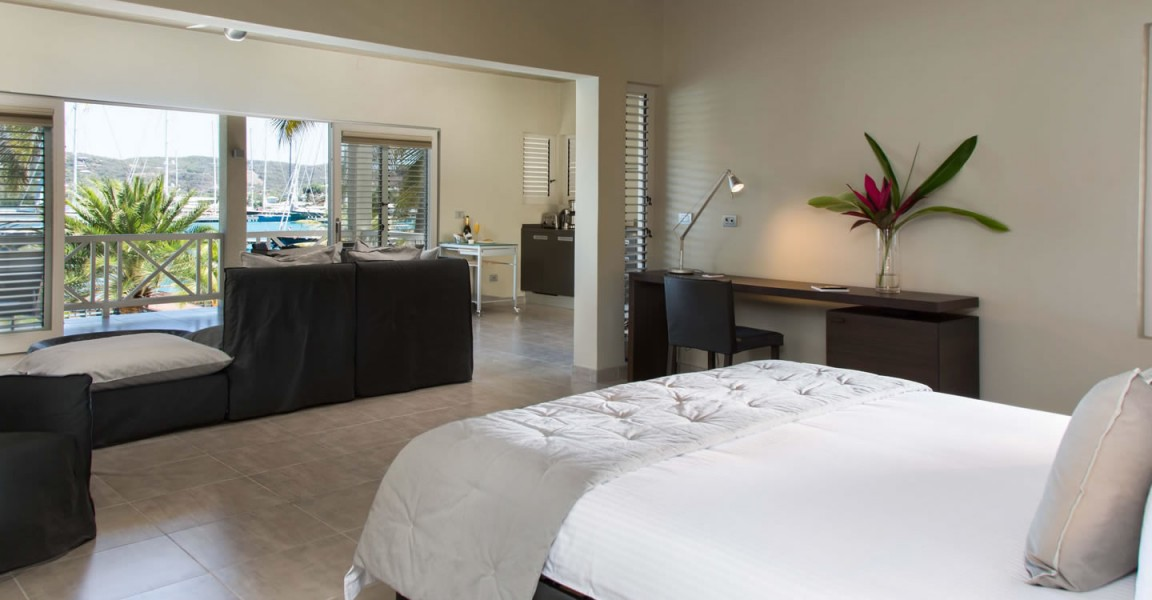 Beachfront apartments for sale, Falmouth Harbour, Antigua - bedroom
