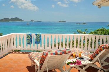 Home for sale, Carriacou, Grenada Grenadines - terrace & sea view