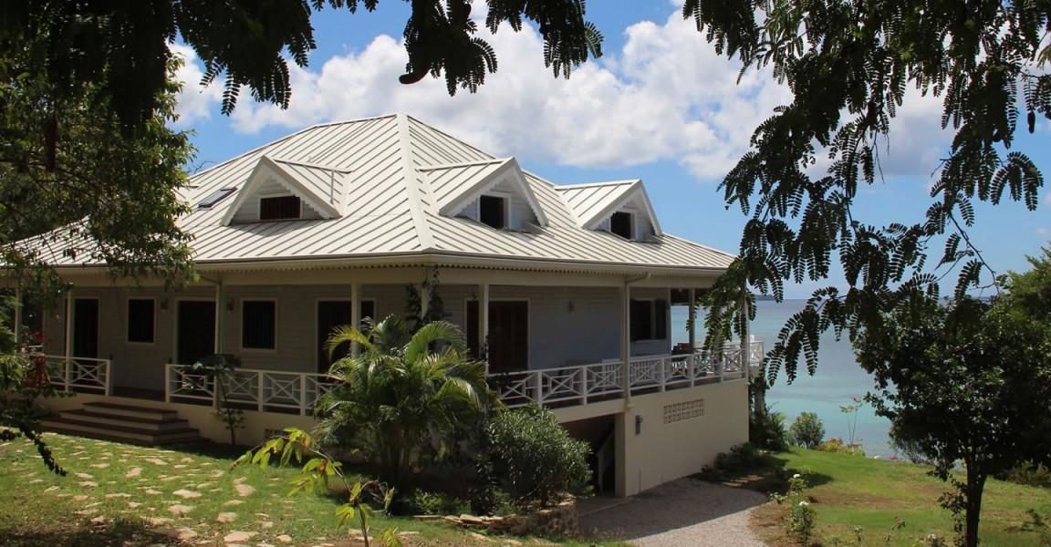 5 bedroom luxury beachfront homes for sale carriacou for Luxury beachfront property for sale