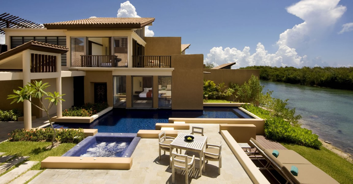 3 bedroom luxury beachfront homes for sale mayakoba for Luxury beachfront property for sale