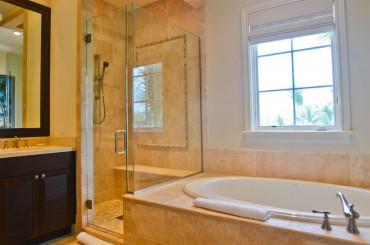 Luxury condos for sale, Great Exuma, Bahamas - bathroom