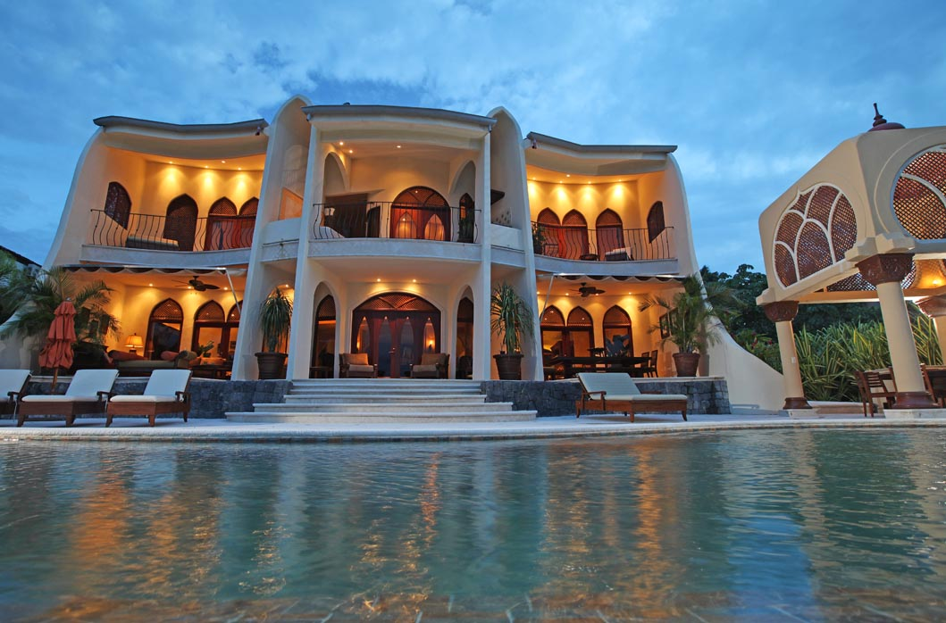 Magnificent 6 bed moroccan style home faro escondido for Moroccan style homes