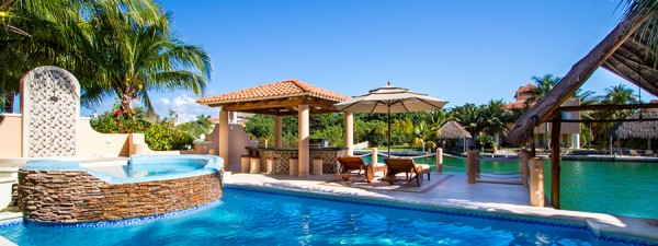 Luxury house for sale, Puerto Aventuras, Riviera Maya, Mexico - pool