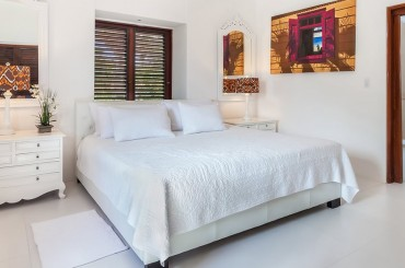 Ultra-luxury beachfront home for sale, Little Harbour, Anguilla - bedroom