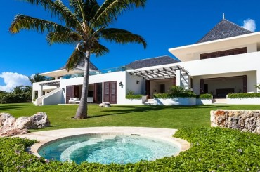 Ultra-luxury beachfront home for sale, Little Harbour, Anguilla - garden