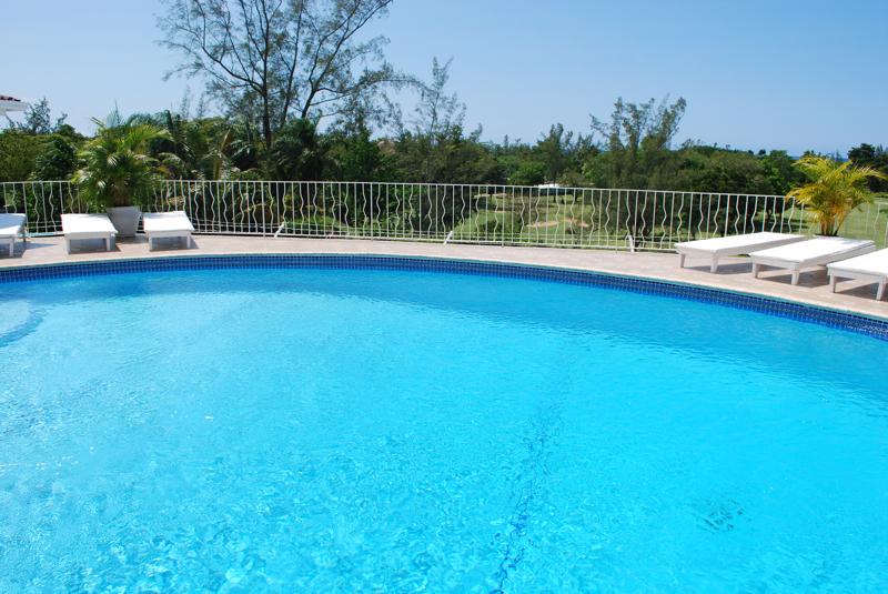 Villas For Sale Runaway Bay