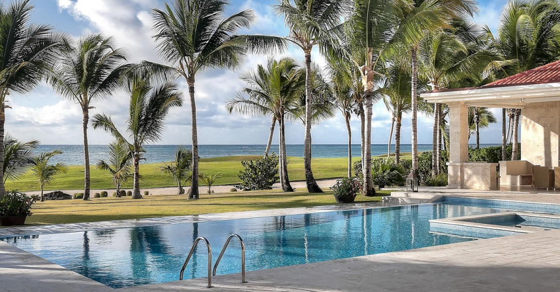 6 bedroom luxury beachfront home for sale punta cana for Homes for sale dominican republic punta cana