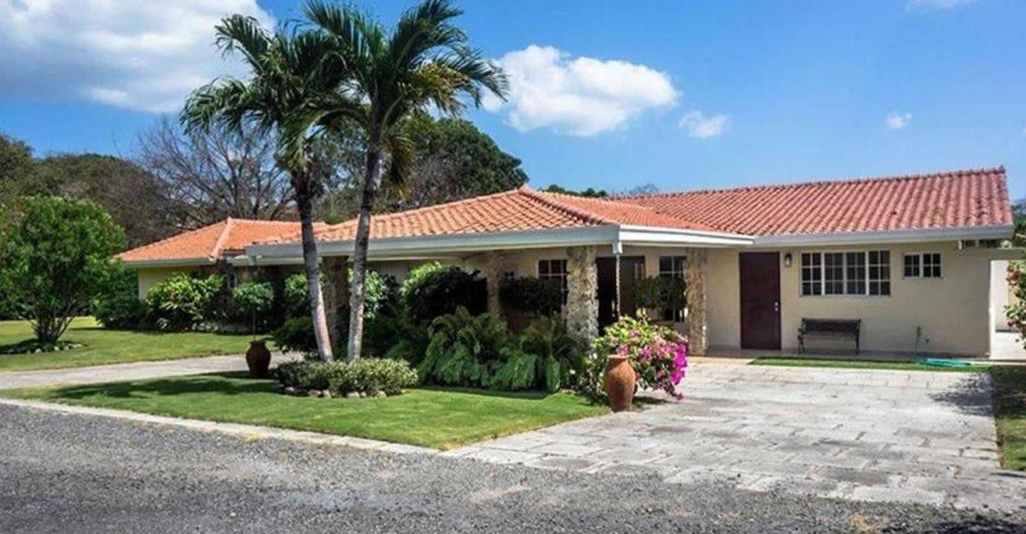 4 Bedroom Beach House For In El Cortijo Costa Esmeralda Panama
