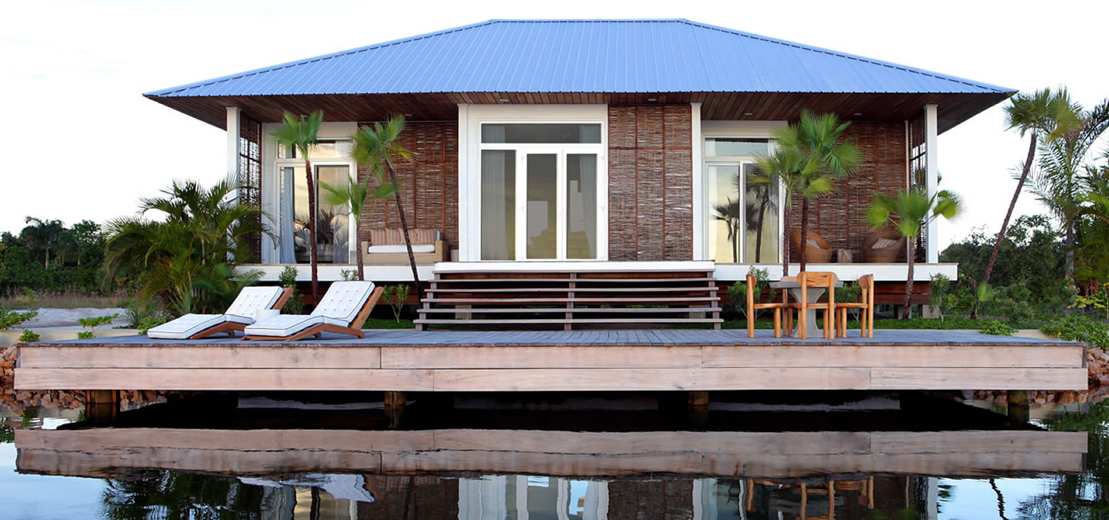 2 bedroom luxury lagoon cottage for sale placencia belize 7th heaven properties. Black Bedroom Furniture Sets. Home Design Ideas