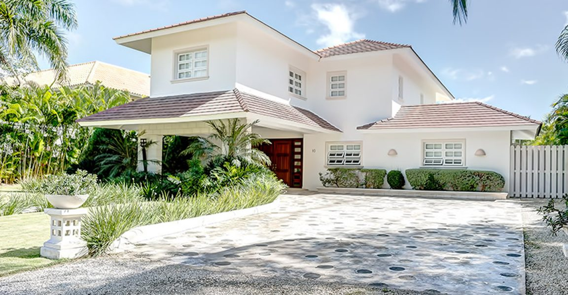 Charming 4 bedroom villa for sale in punta cana dominican for Homes for sale dominican republic punta cana