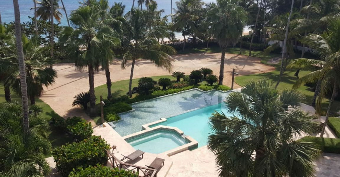 3 Bedroom Beachfront Penthouse Apartment For Sale