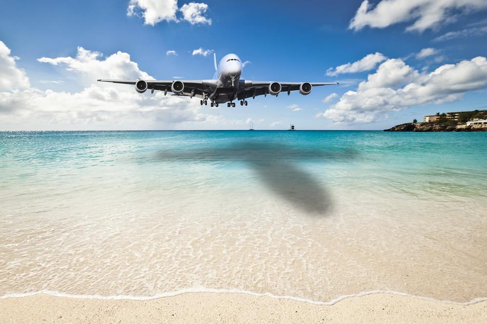 Plane coming in to land in St Maarten