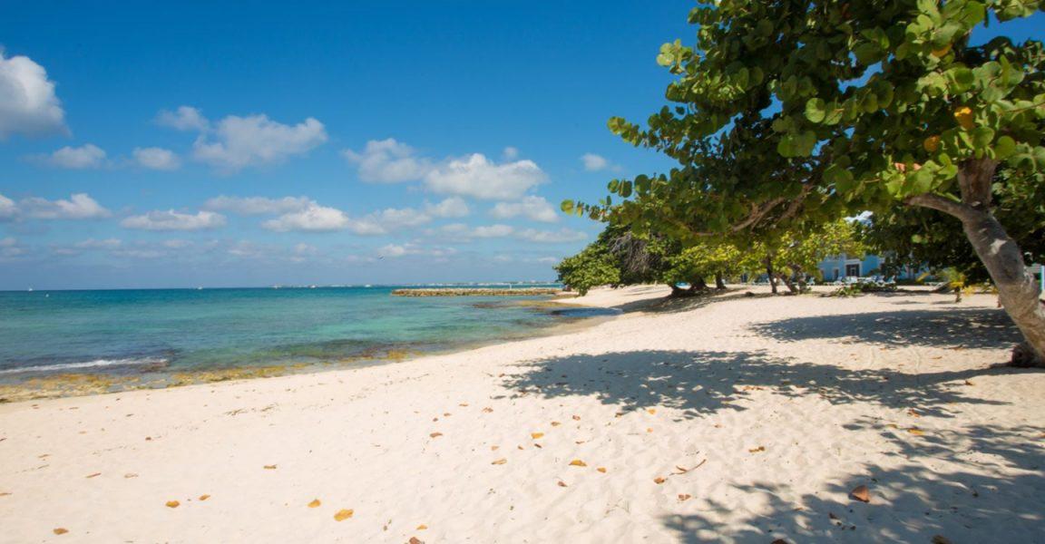 Cayman Islands Tourist Rentals On Seven Mile Beach