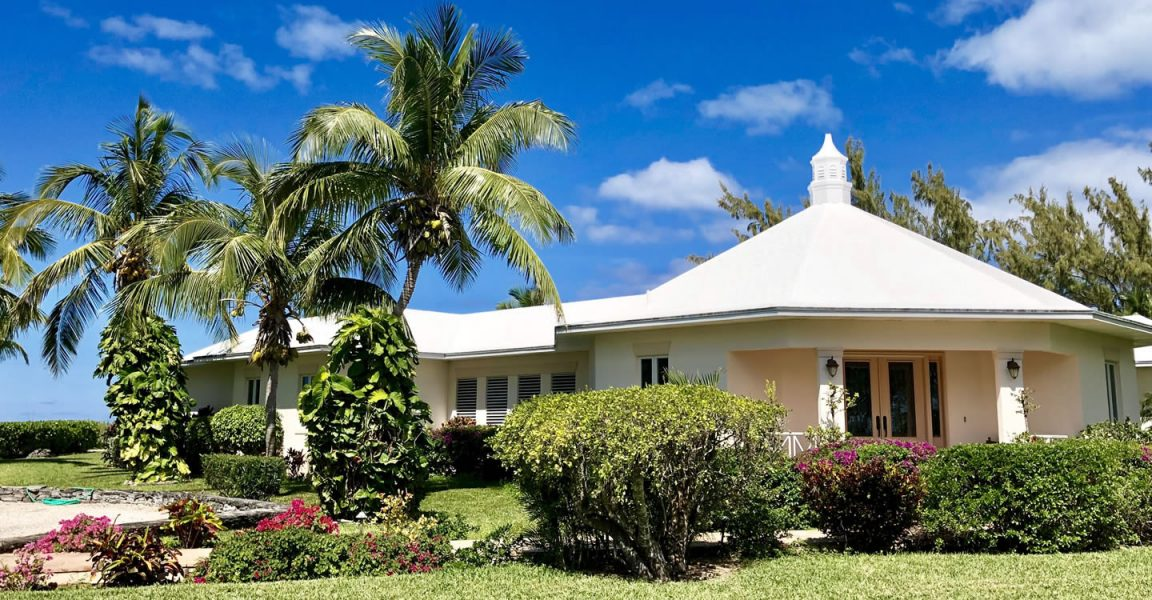 4 bedroom beachfront home for sale long island bahamas for Long island estates for sale