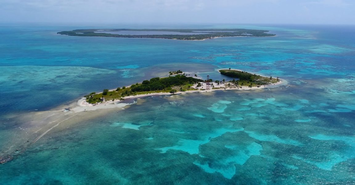 Pair Of Island S For Sale In Lighthouse Reef Atoll Belize