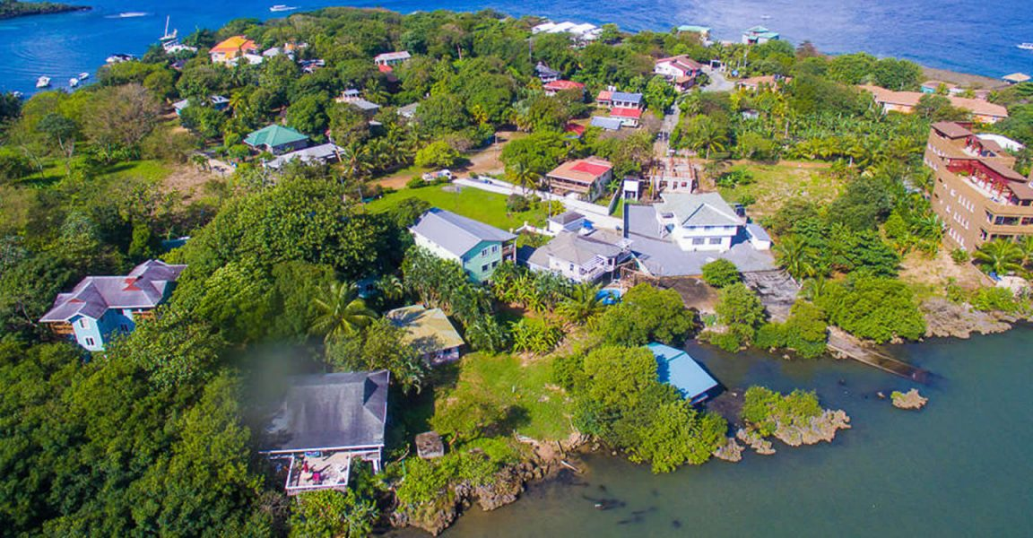 5 Bedroom Oceanfront Property for Sale, Half Moon Bay, Roatan