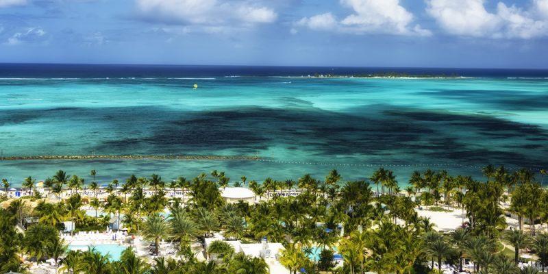 Luxury beachfront resort in Nassau, Bahamas