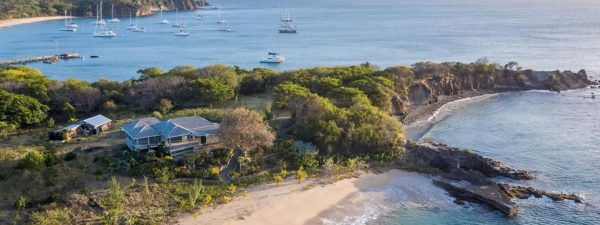 Beach house for sale in Mayreau in the Grenadines