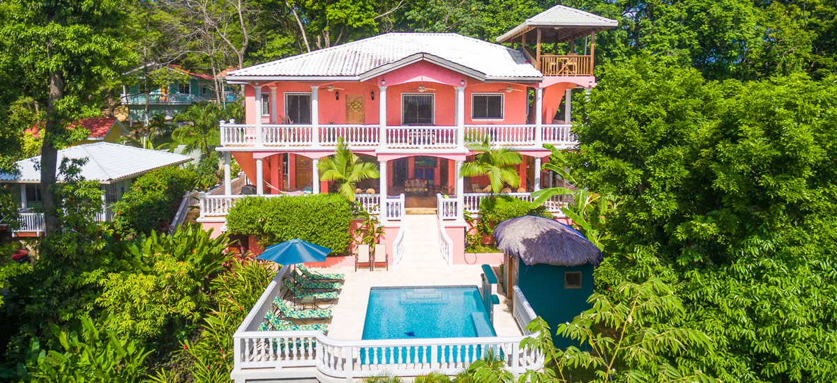 Bed and breakfast for sale in Roatan