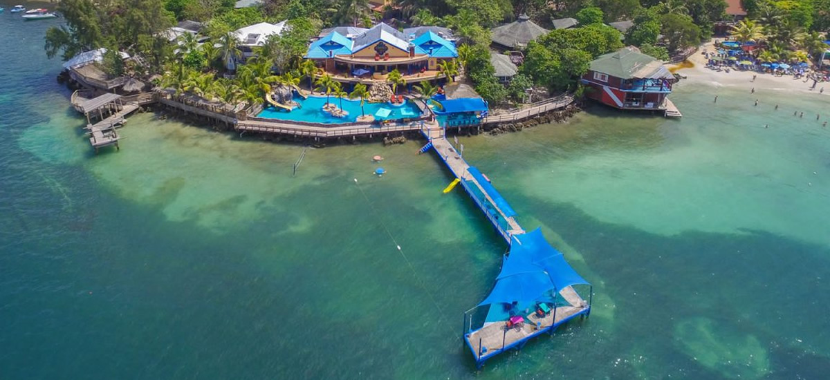 Bed and breakfast for sale in West Bay, Roatan