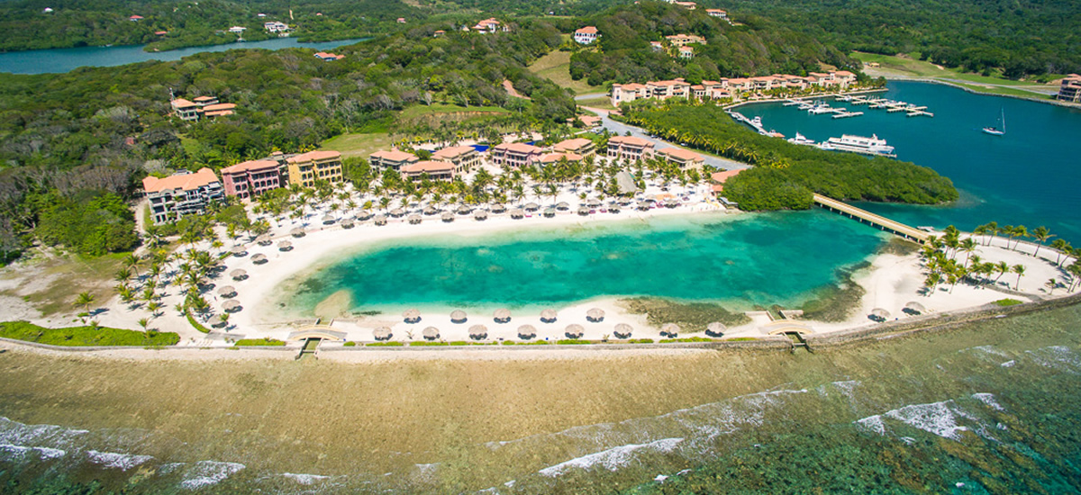 Beachfront condo for sale in Parrot Tree Plantation, Roatan