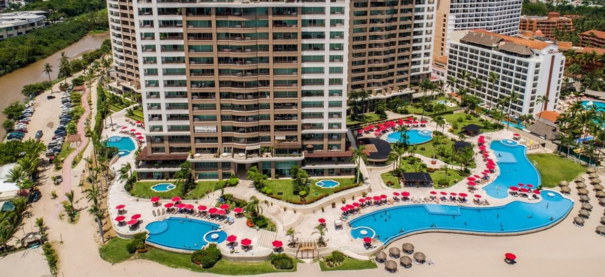 Beachfront condo for sale in Zona Hotelera Norte, Puerto Vallarta