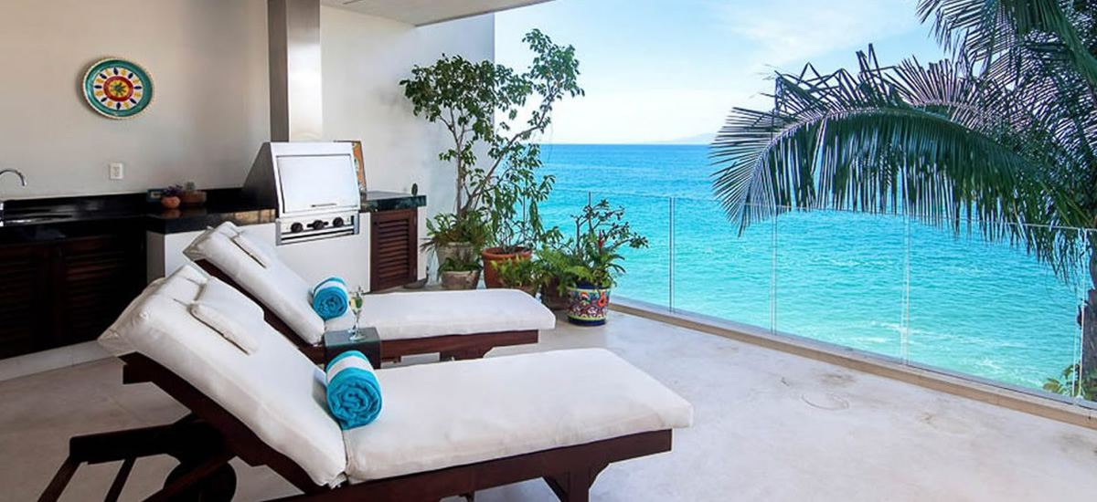 Beachfront condo for sale in Sierra del Mar Los Arcos, Puerto Vallarta