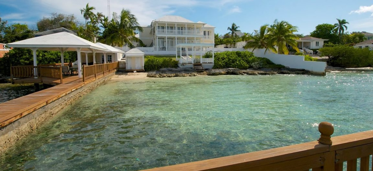 Luxury beachfront home for sale in New Providence, Bahamas