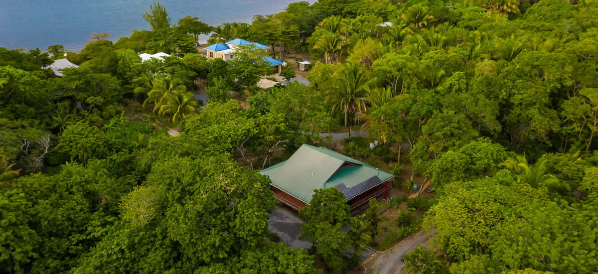 Off the grid home for sale in Palmetto Bay, Roatan