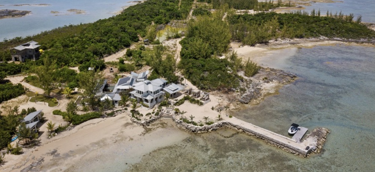 Island for sale with apartment and cottage in Eleuthera, Bahamas