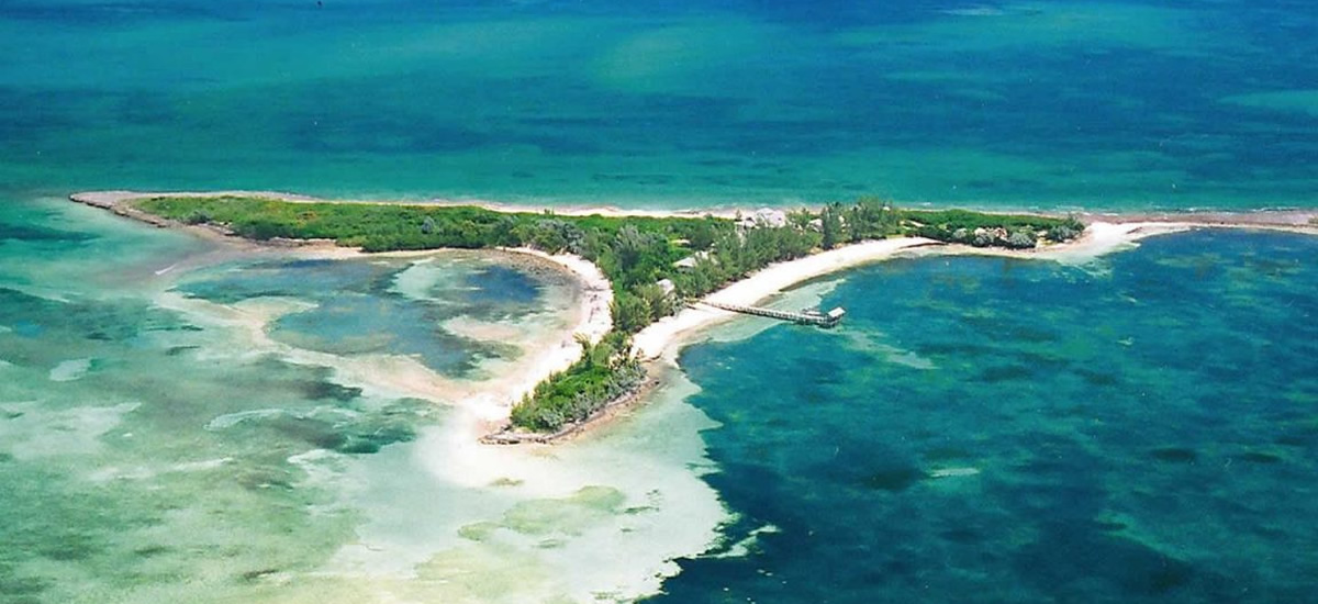 Private island for sale with 5 properties in Abaco, Bahamas