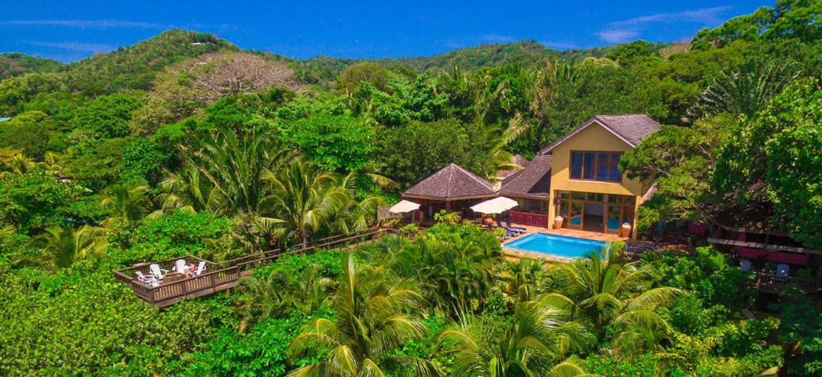 Guest house / boutique hotel for sale in Sandy Bay, Roatan