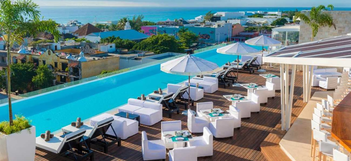 Condos for sale in Playa del Carmen within a five-star hotel