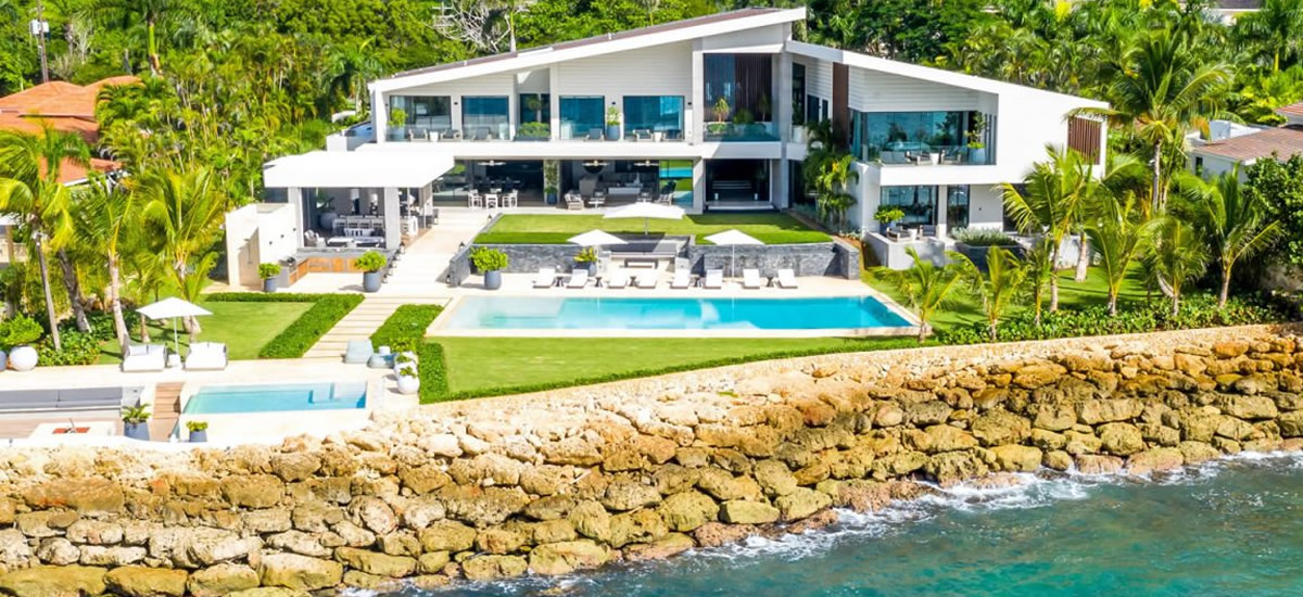 Stunning oceanfront home for sale in Casa de Campo