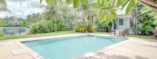 Swimming pool at a beautiful house for sale in The Bahamas